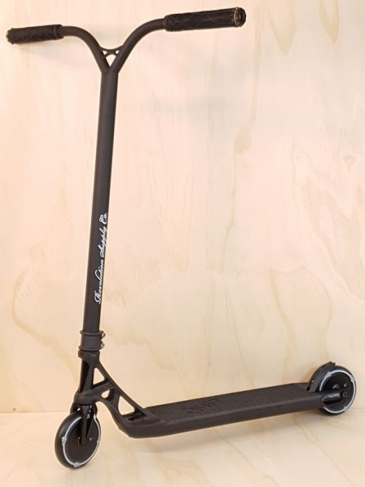 Custom Scooter - ETHIC ICONOCLAST BLACK